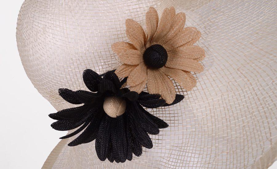 Chapeau capeline marguerites detail