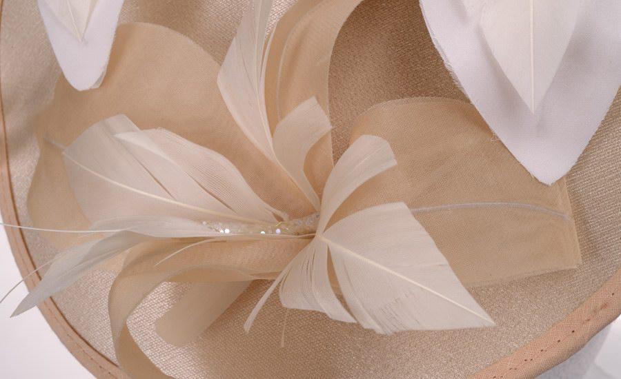 Chapeau galette papillon detail