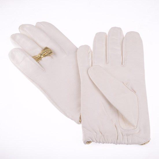 Gant blanc papillon