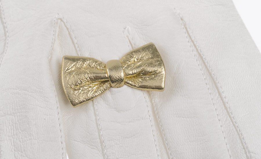 Gant blanc papillon detail